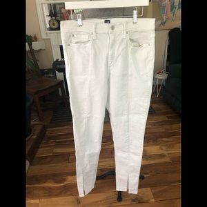 Gap women's white jeans. Slits in front 31 tall